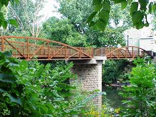Pedestrian Bridge-Side