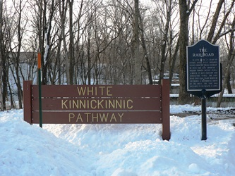 White Pathway Sign Winter